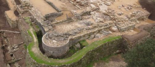 Trabajos de excavación en el castillo de Rocha Forte