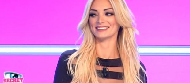 Emilie Nef Naf (Secret Story 3) a encore changé de tête ! - Staragora - staragora.com