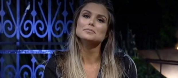 Flávia foi escolhida pela maioria do público para continuar em 'A Fazenda'