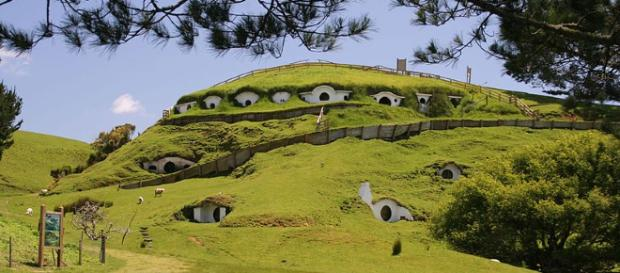 'Hobbiton' in New Zealand [Image via Rob Chandlar/Wikimedia Commons]