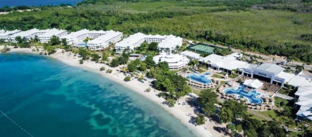 Playas de aguas turquesas en la isla de Jamaica. - clarin.com
