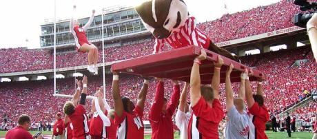 Badgers stay in playoff race with win over Michigan (via Wikimedia Commons - Stephanie Caine)