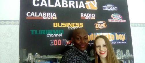 La modella Julia Rukuru con Gaia Bafaro