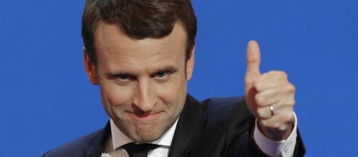 Macron propone ampliamento di sussidio di disoccupazione a chi si dimette