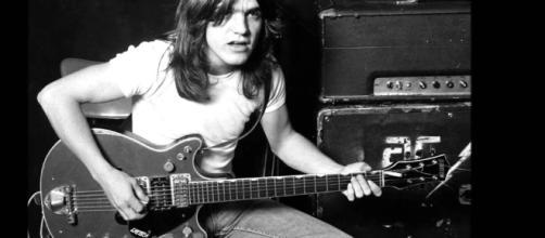 Malcolm Young, guitarrista do AC/DC, morre aos 64 anos | Música | G1 - globo.com