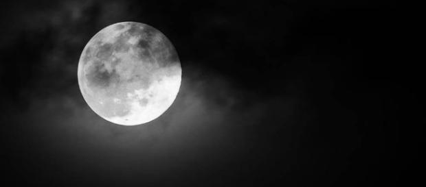 Lua Negra acontece nesta sexta. Conheça sua verdadeira história
