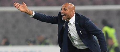 Luciano Spalletti riprende Joao Mario dopo un passaggio sbagliato durante Inter-Napoli