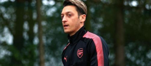 Mesut Özil, con prisa y ansioso por cerrar su fichaje con el Barça