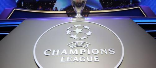 Pronostici Champions League 21 novembre: Napoli in campo.