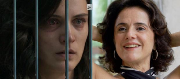 Sophia consegue internar Clara