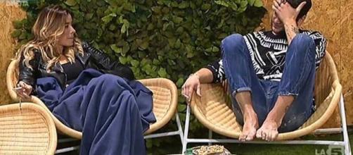 Aida e Jeremias in giardino Grande Fratello Vip