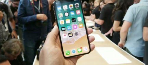 Jony Ive: iPhone X è il risultato di oltre due anni di sviluppo ... - hdblog.it