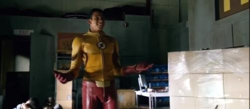 Steel & Kid Flash Team Up I Legends Of Tomorrow 3x01 [Image Credit: NARLtv/YouTube screencap]