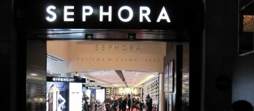 Woman suing Sephora after being diagnosed with herpes. Image via InSapphoWeTrust/Wikipedia Commons.