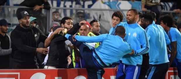 Evra patea patea a un aficionado de su propio equipo | Publimetro ... - com.mx