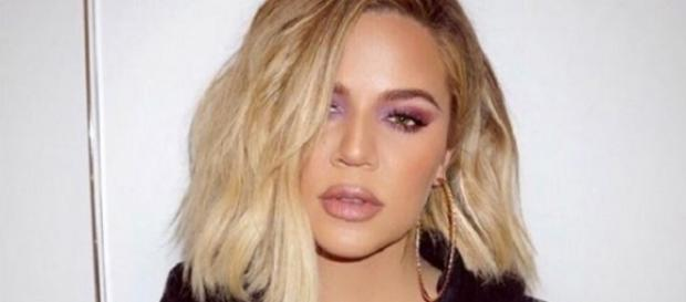 Khloe Kardashian está confundindo seus fãs com suas fotos