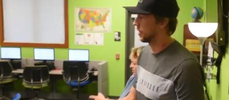 Eagles QB Nick Foles visits Olivet - Image credit - Reading Eagle | YouTube