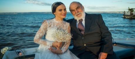Josafá e sua neta no dia do casamento.