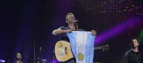 "Coldplay rindió tributo a Soda Stéreo con ""De Música Ligera"". - com.ar"