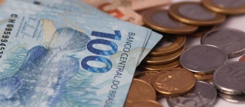 Dólar deve fechar o ano a R$ 3,25, segundo a pesquisa