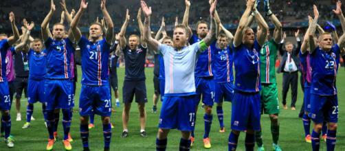 La gioia dei giocatori islandesi dopo la qualificazione ai Mondiali di Russia 2018