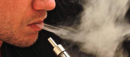 La sigaretta elettronica è veramente meno dannosa?