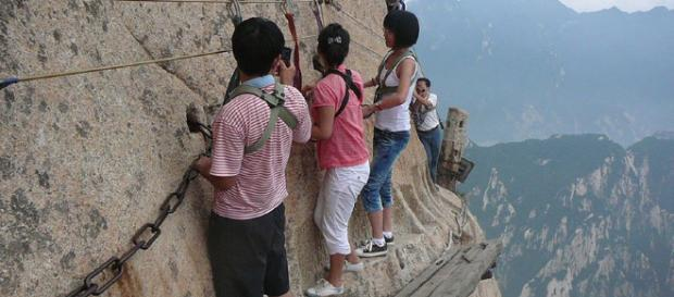 15 lieux extrêmement dangereux que seuls les casses-cou osent ... - buzzly.fr