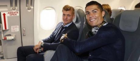 Cristiano Ronaldo, tout sourire dans l'avion ! (Instagram @cristiano)