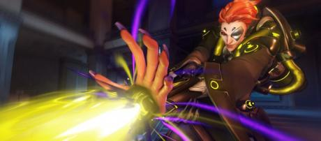 """Moira's strength and weaknesses in """"Overwatch."""" Image Credit: Blizzard Entertainment"""