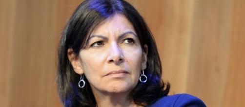 """Anne Hidalgo dézingue Hollande, Valls et Macron, """"responsables de ... - infos15.com"""