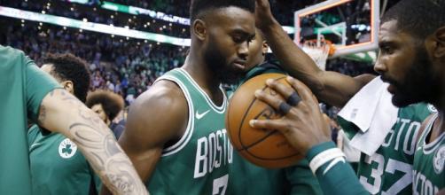 Jaylen Brown et Kyrie Irving grands artisans de la série des Celtics !