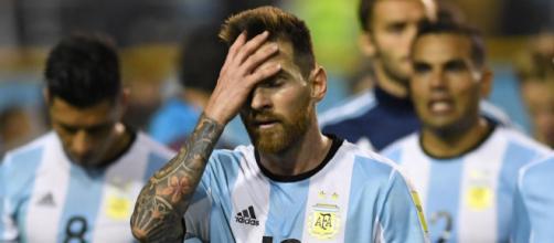 Messi sufre. Argentina no logra potenciar su enorme talento (Foto: El Universo)