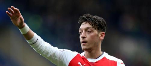 Mesut Ozil urged to snub new Arsenal deal and join Bayern Munich ... - thesun.co.uk