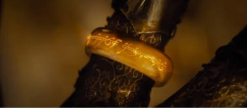 One Ring to rule them all TV shows [Image via EriCKson Dlc/YouTube screencap]