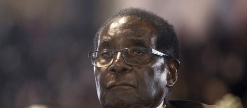 Zimbabwe's Robert Mugabe refuses to resign as president in talks ... - scmp.com