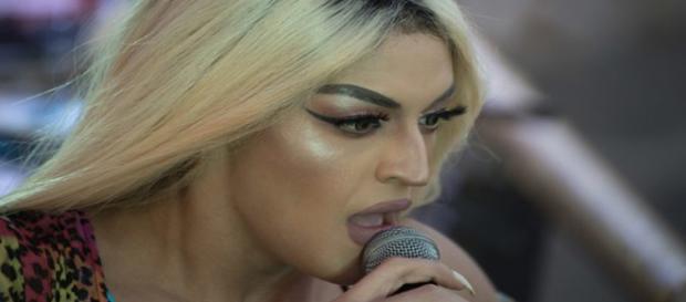 A cantora surpreendeu a todos por reagir de maneira educada