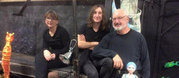 A family portrait of the people behind the National Marionette Theatre. (Image via Lind Mason, used with permission.)