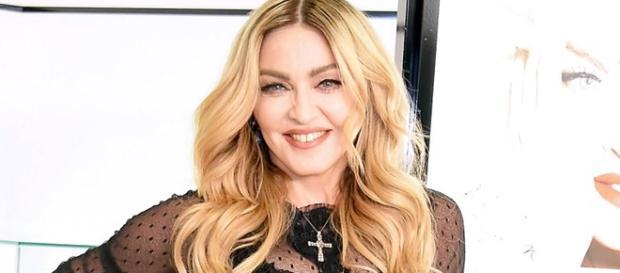 Imagens da cantora Madonna nua se tornam públicas e podem ser arrematadas por uma fortuna.