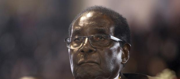 Zimbabwe's Robert Mugabe refuses to resign as president in talks ... - scmp.com