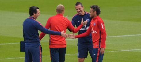PSG : Neymar multiplie les soirées en boite de nuit ... - foot01.com