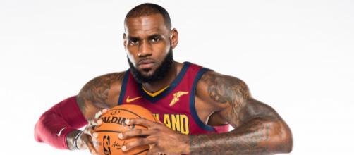 LeBron James, 32 anni, uomo-simbolo dei Cavaliers e della NBA