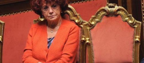 Valeria Fedeli, ministro dell'istruzione italiano, abolisce il voto in condotta -siculalivenews.it-