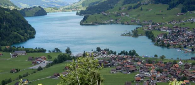 Photo of Lake in Switzerland: A Reason to Travel [Image via Willow King]