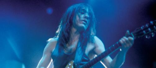 Addio Malcolm Young: è morto il chitarrista degli AC/DC