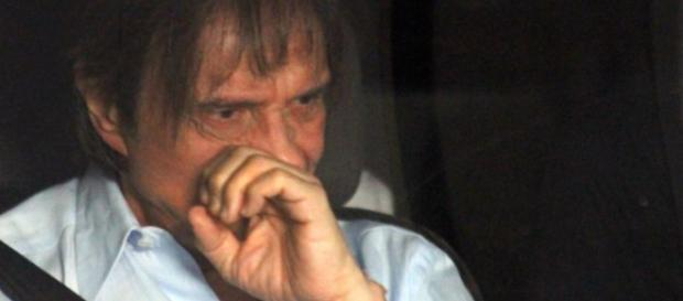 Roberto Carlos processa Record
