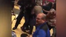 Bebê leva sapatada em briga generalizada durante a Black Friday; assista