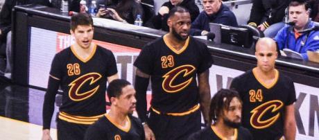 LeBron James and the Cleveland Cavaliers on court. - [Image via Erik Drost via Wikimedia Commons]
