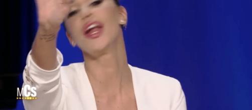 Belen Radriguez arrabbiata al Maurizio Costanzo Show