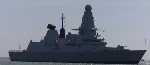 HMS Diamond the Jewel of the RoyalNavy malfunctions. [Image Credit:Youtube people and Blogs)