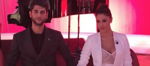 Jeremias e Belen Rodriguez nel corso del Costanzo Show